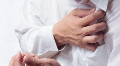 nắng nóng gây các bệnh về tim mạch như đau tim, huyết áp