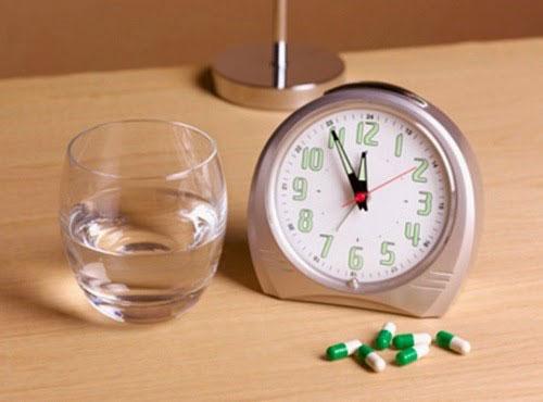 sử dụng thuốc huyết áo đúng giờ